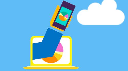 Illustrazione di una mano che tiene un telefono che emerge da un portatile